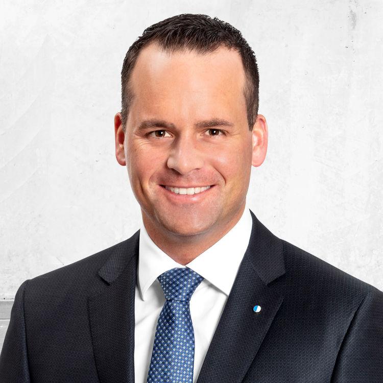 FDP-Ständerat Damian Müller fordert mehr Geld für Assistenzhunde von Kindern